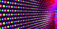 Έγχρωμοι πίνακες LED και LCD, Πλεονεκτήματα-Μειονεκτήματα